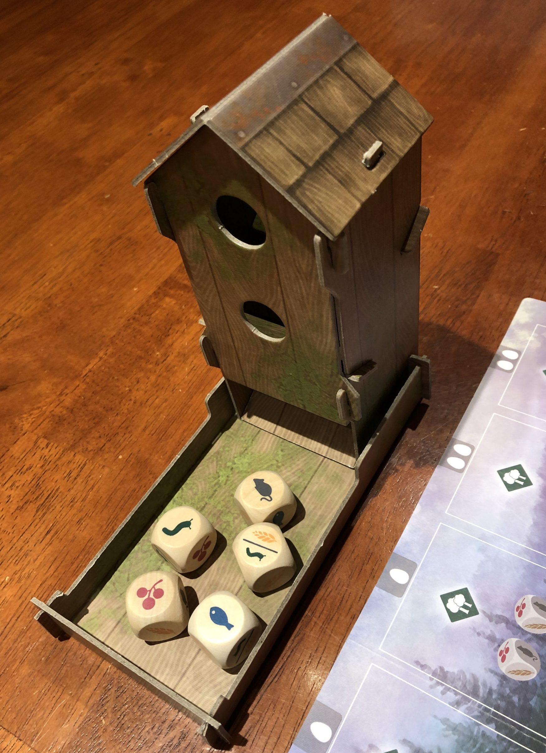 Wingspan game birdhouse and food dice